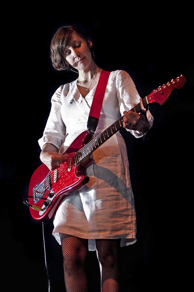 Bilinda Butcher (swoon) at Kool Haus, 2008.  Copyright: Dave MacIntyre